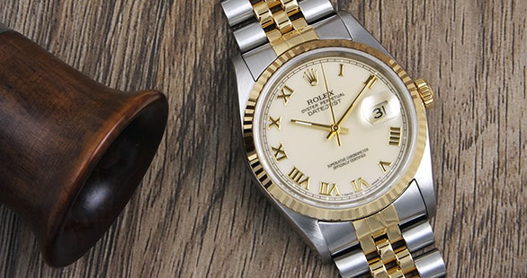 Rolex Oyster Perpetual DateJust 16233 - White Ivory Roman Numeral Dial
